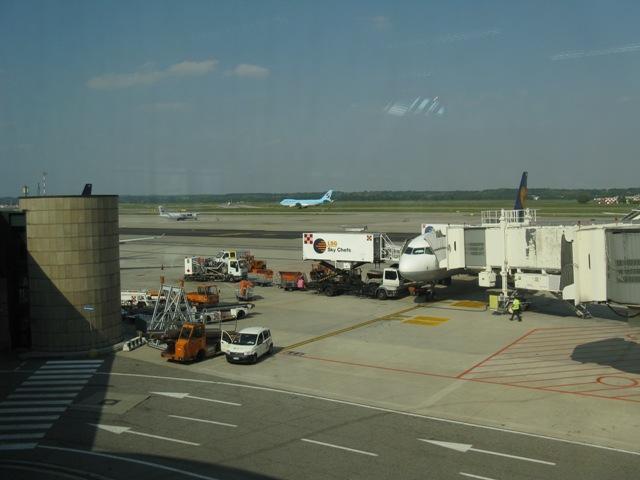 b1_u1_airport